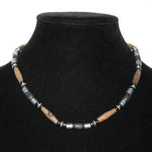 Beautiful wood and hematite beaded necklace 17""